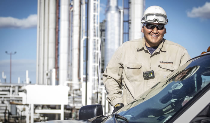 Loenbro worker smiling