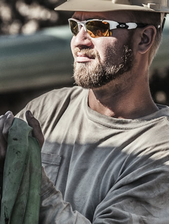 Worker with sunglasses